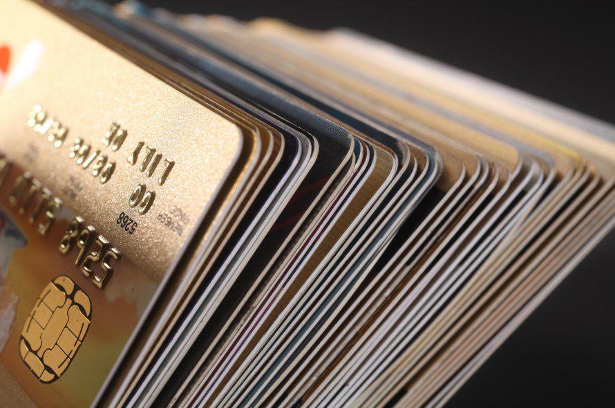 【2018年最新】おすすめのゴールドカード5枚を比較!専門家がカード選びのポイントも解説